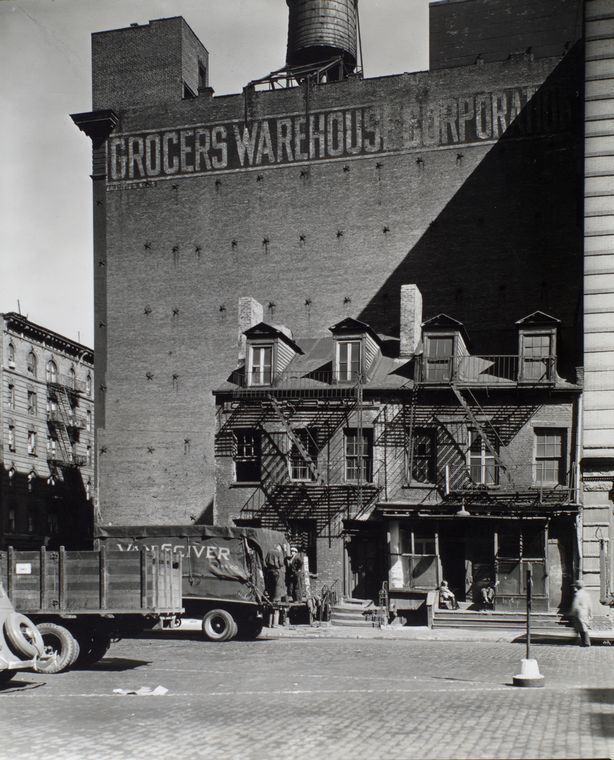 Grocers Warehouse in Manhattan