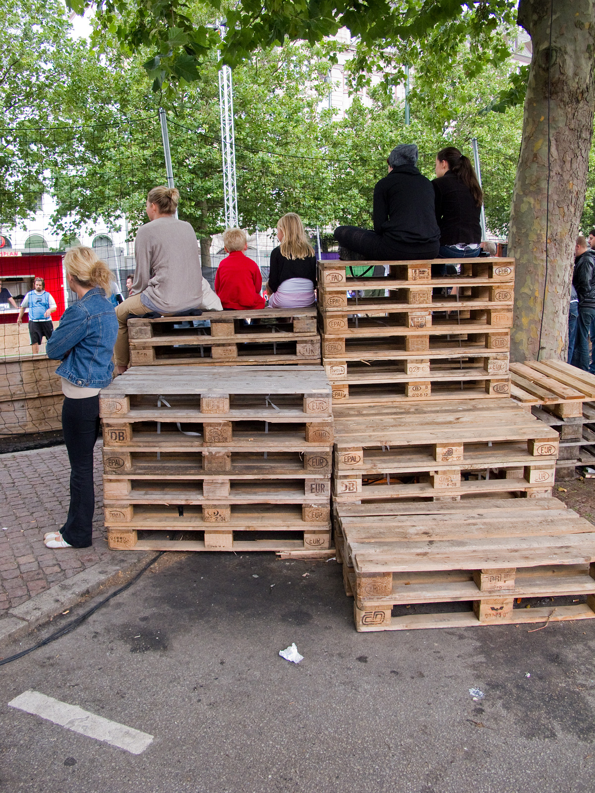 Fun with pallets reusing recycling repurposing for Repurposed pallet projects